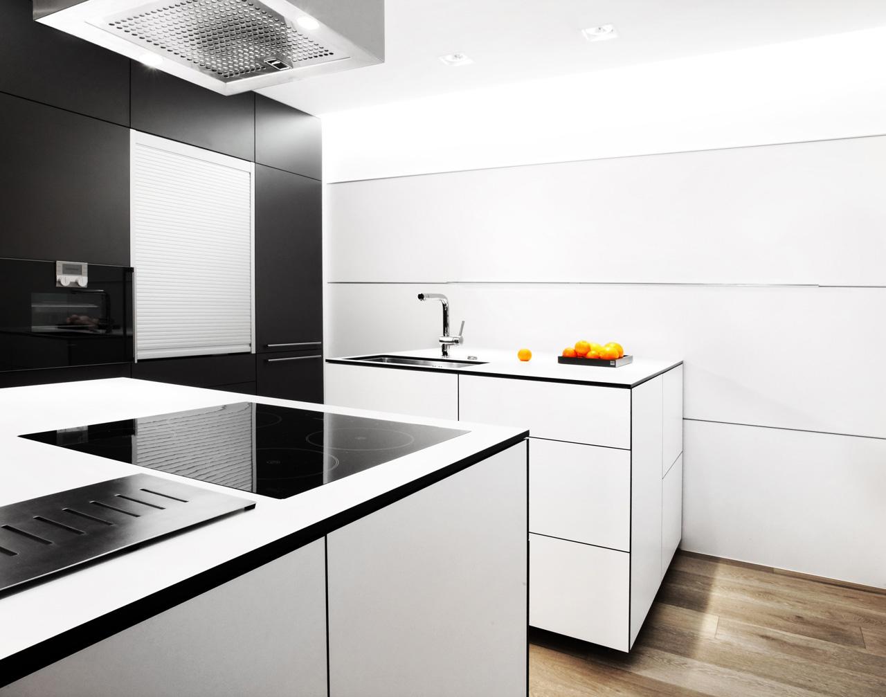 plan 3 küche / Wohnhaus in Luhačovice / Schönheit und Kontrast