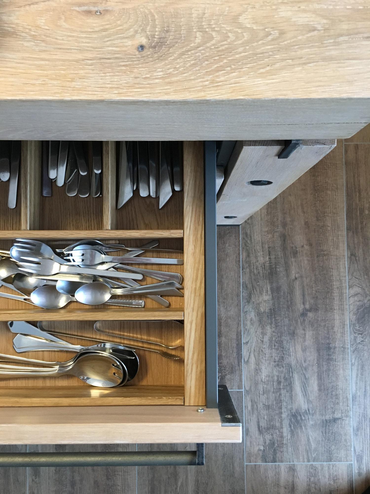 plan 3 kuchyně / Массивная деревянная кухня / Утонченная простота