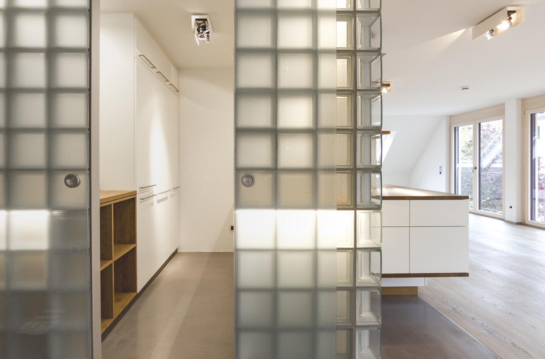 plan 3 kitchens / Corian kitchen / Square kitchen design functionality