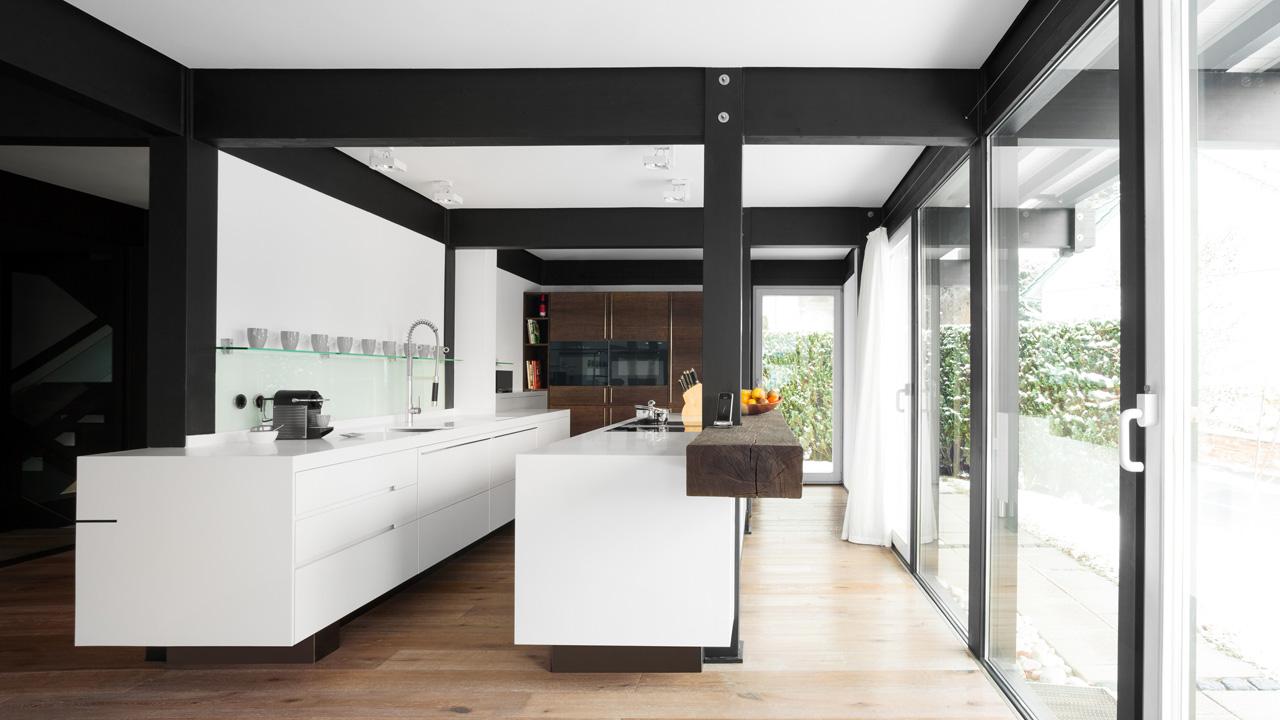 plan 3 kitchens / Holighaus family / Modern wood-frame house