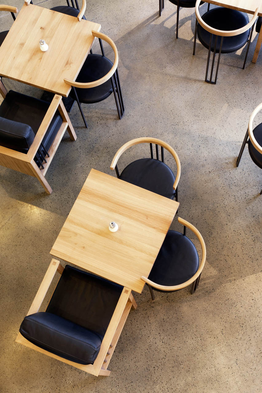 plan 3 kuchyně / Ине Кафе (Jiné Café) II в Угерском Градиште / Привет от хамелеона