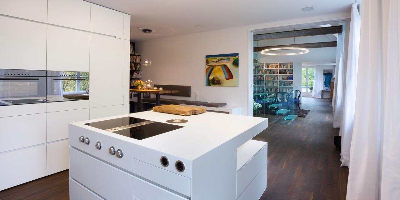 plan 3 kitchens / Vila B. / History, traditions, values