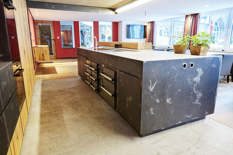 plan 3 kuchyně / Ресторан и школа в отеле Deimann***** / Архаическая форма, идеальная функциональность