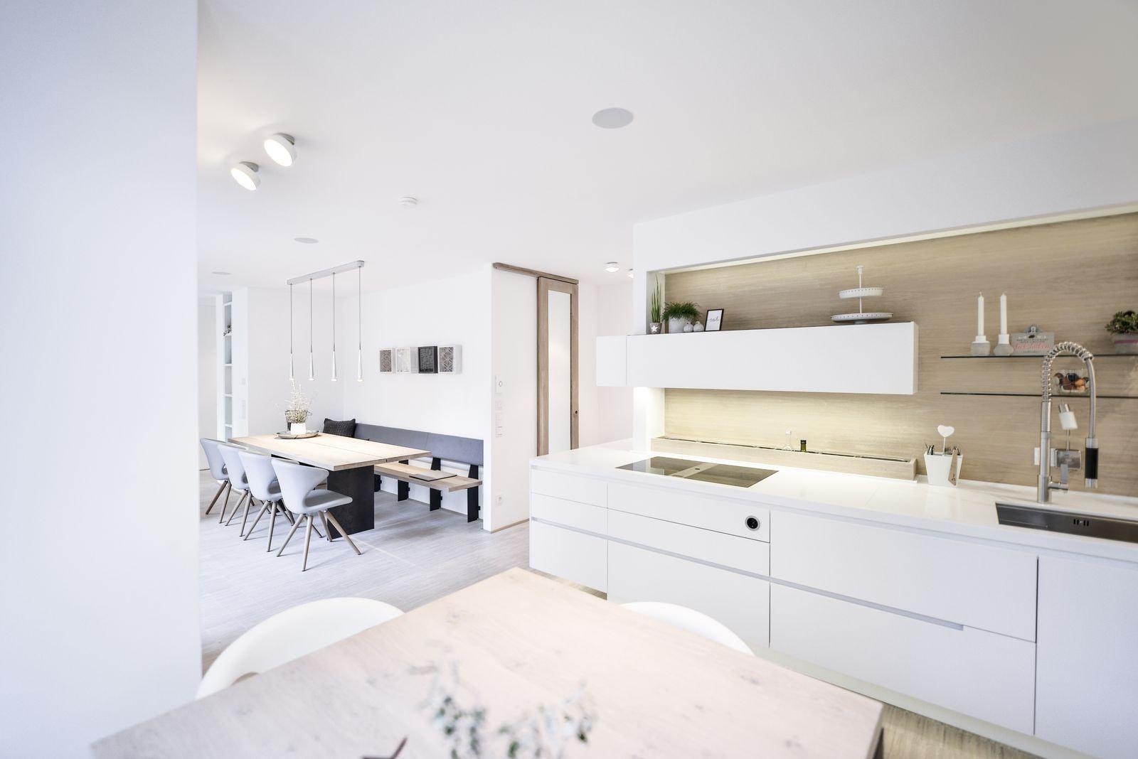 plan 3 küche / Sanierter Hochbunker Siegen / Wohnung W