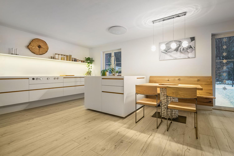 Kuchyn� na m�ru ze d�eva