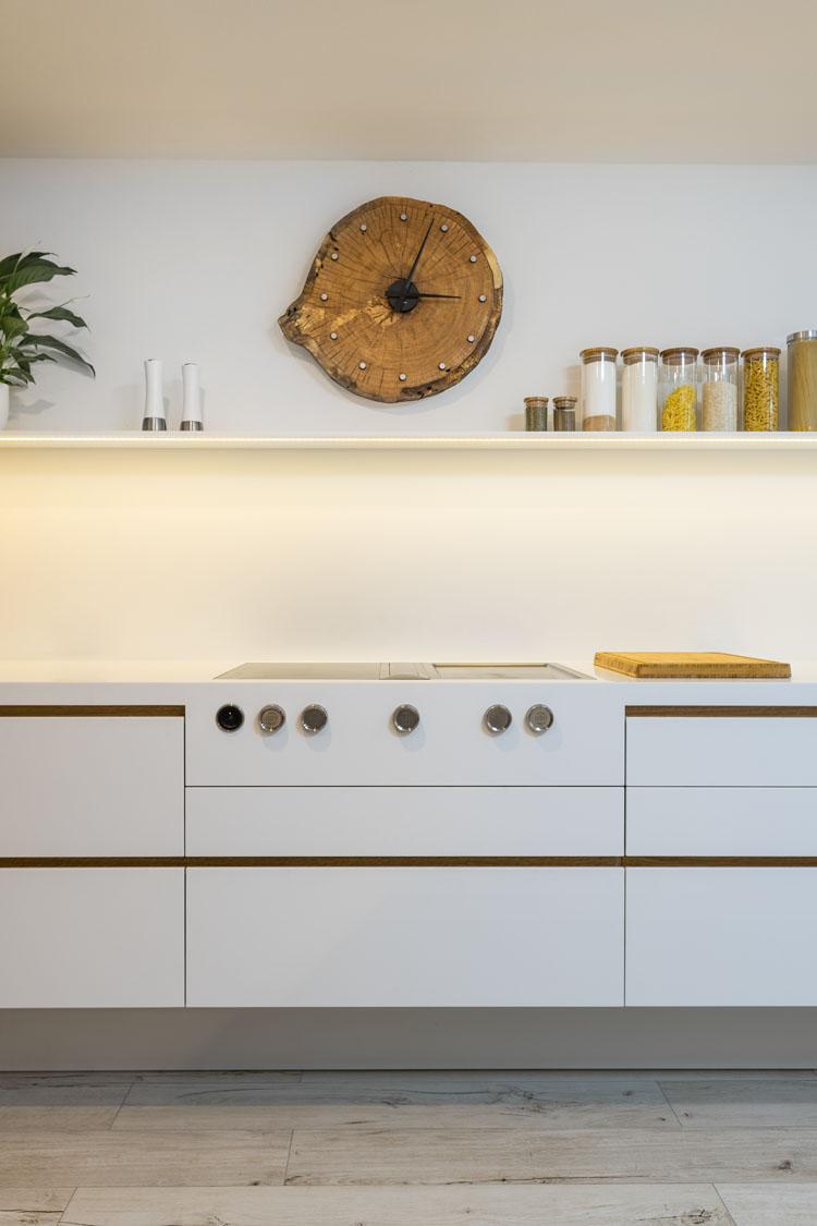 plan 3 kitchens / Maple wood kitchen / Timeless style combination