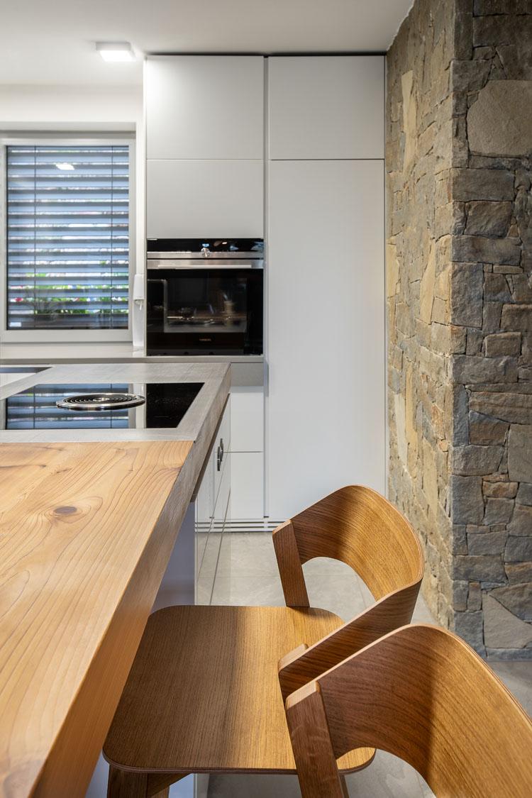 Kuchyn� s luxusn�mi spot�ebi�i na chatu
