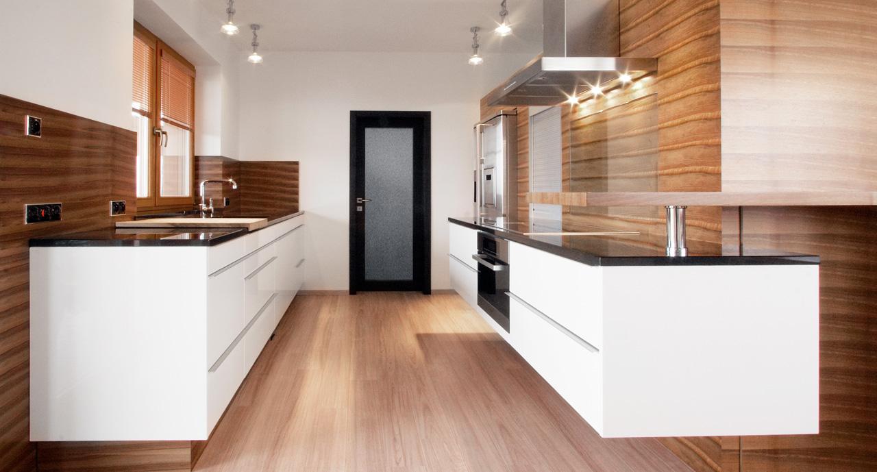 plan 3 kitchens / Bednar Family / Elegance