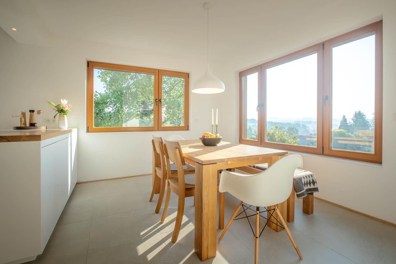 plan 3 küche / Helle, randlose Küchenzeile in fast-klassischer L-Form / L-Form individuelle und funktionale Kochlandschaften