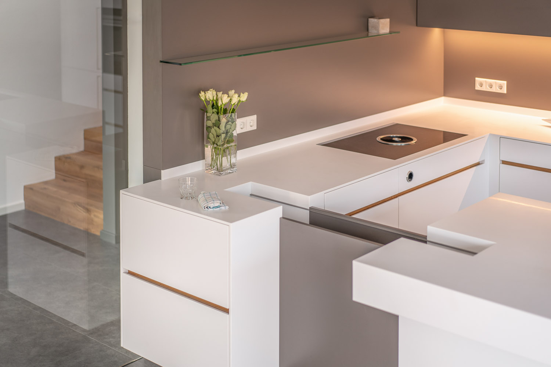 plan 3 kuchyně / Architektova kuchyně Dipl. Norbert Krähling / Kompaktní kuchyně s ostrůvkem