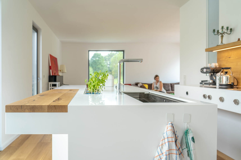 plan 3 küche / Ästhetisch, schlicht und funktional / Moderne Küche aus Krion